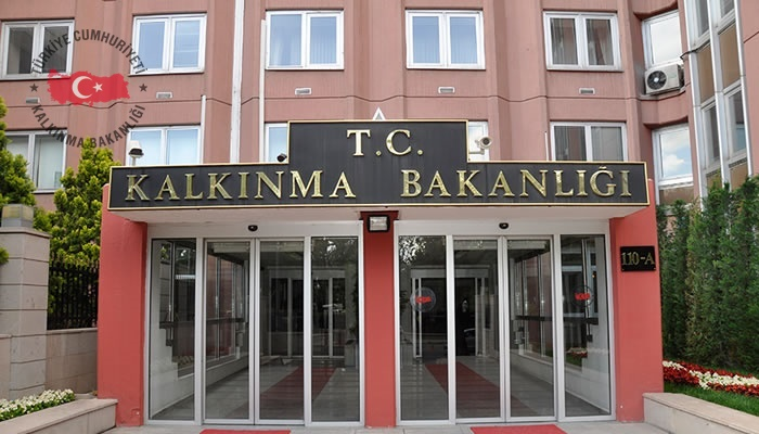 Dünyada ve Türkiyede Kamu Özel İşbirliği Uygulamalarına İlişkin Gelişmeler 2015