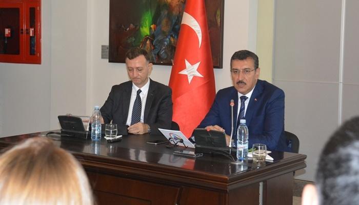 Tüfenkci Gürcistan'da Türk İşadamlarıyla Bir Araya Geldi